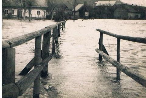 Strau_nitz Steg, Hochwasser Febr. 1932