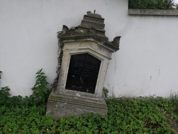 hrbitov003