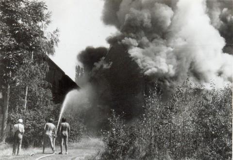 požár stodola1