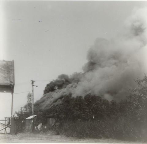 požár stodola2